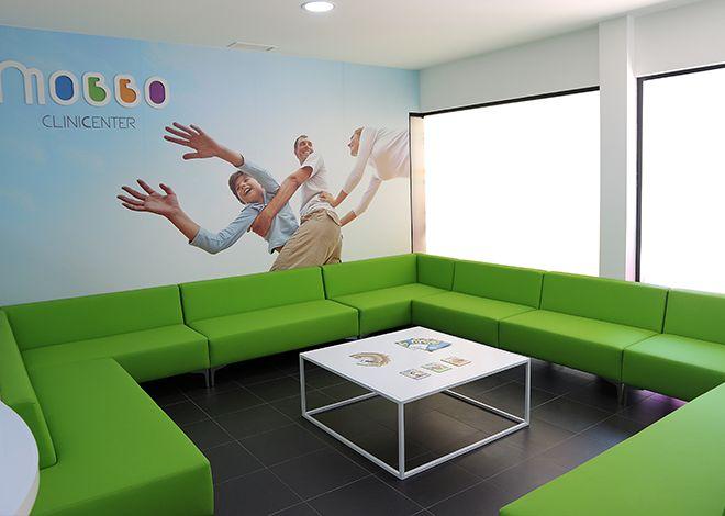 26 - Sala de espera Mobbo Clinic Center