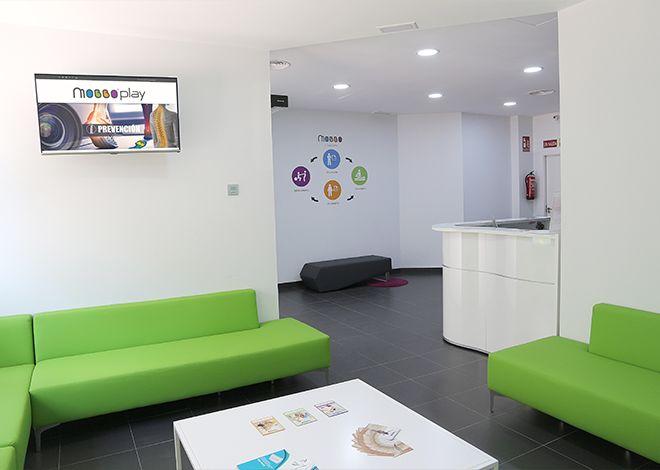 27 - Sala de Espera Mobbo Clinic Center 02